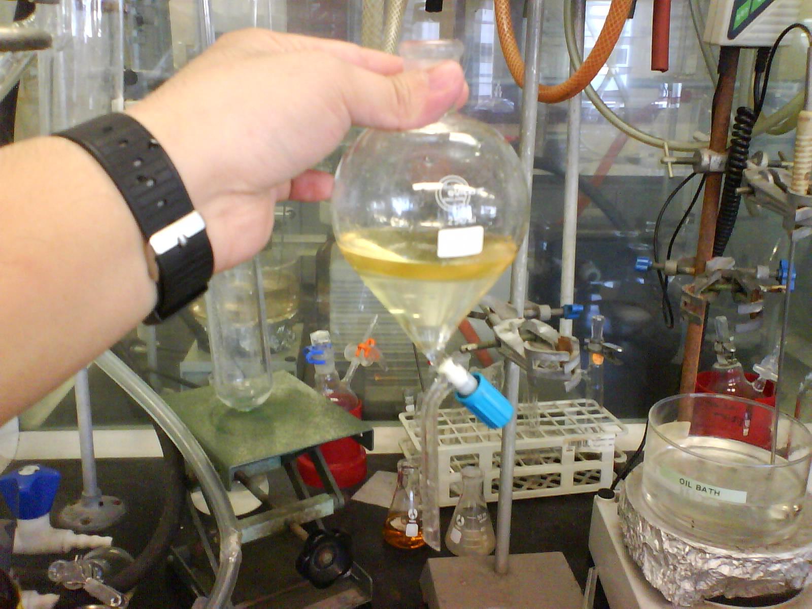 Ripartizione dei componenti fra due fasi immiscibili-chimicamo