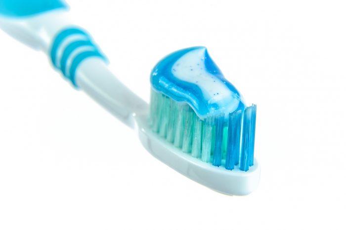 Dentifrici al fluoro- chimicamo