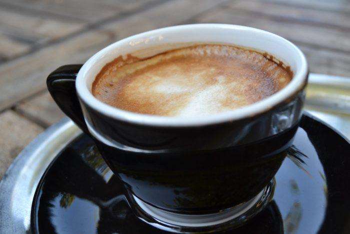 Una macchina da caffè nel laboratorio - chimicamo