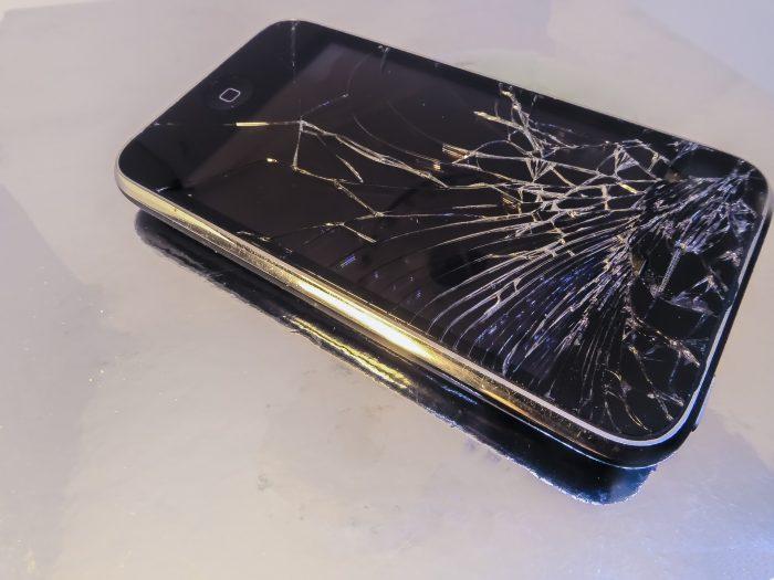 Schermo dello smartphone che si autoripara- chimicamo